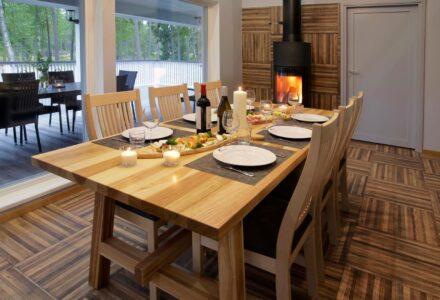 Villa Merikoivula ruokapöytä 8lle