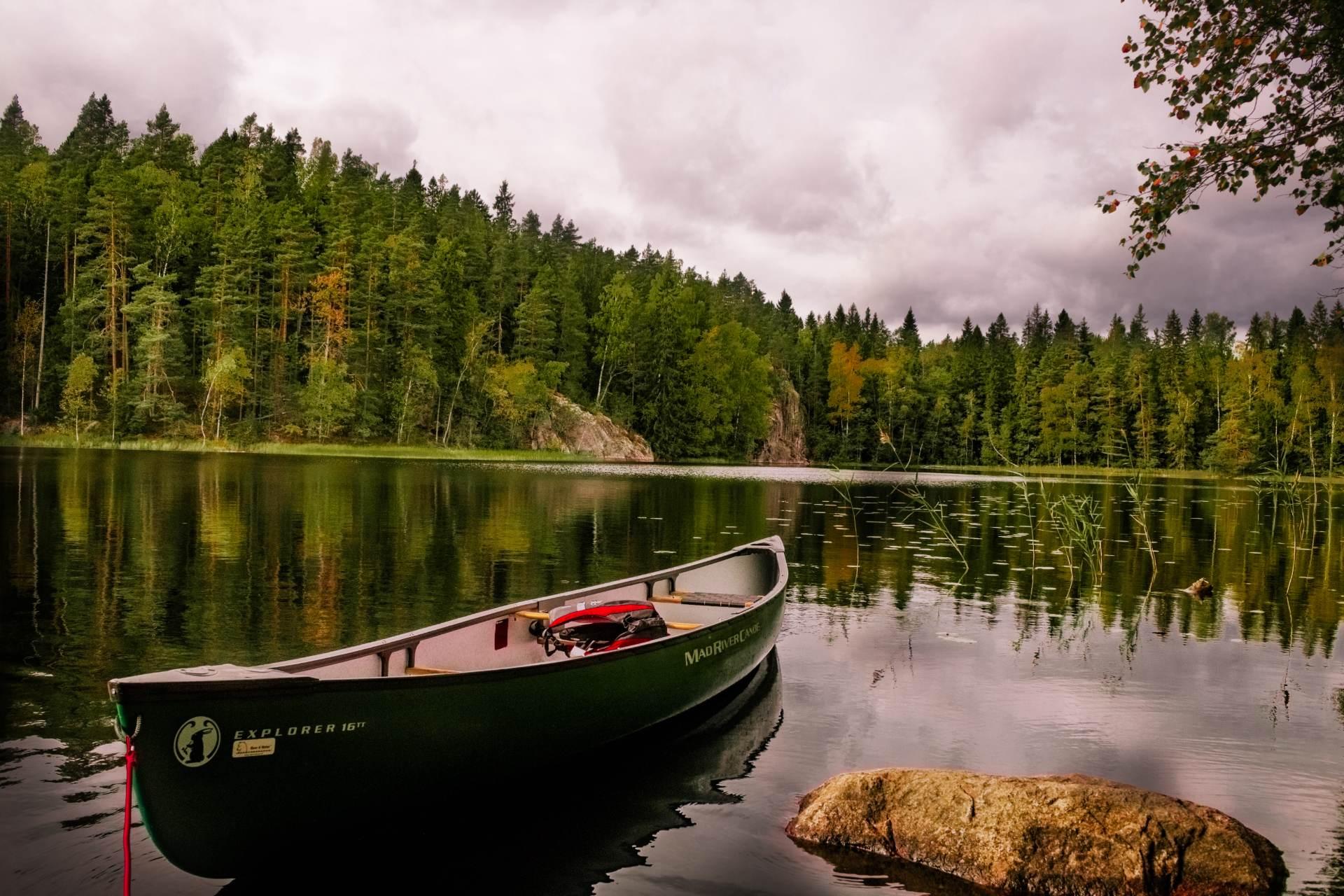 Majutus-Soomes-puhkemajas-Merikoivula-sõudepaat